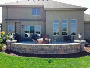 picture of a retaining wall in a backyard